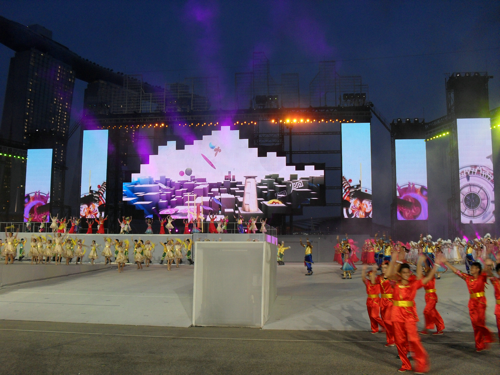Outdoor Curtain mesh LED Display screen